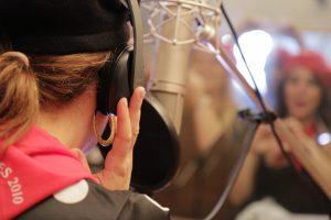 organiser un enterrement de vie de jeune fille à Lille Enregistrer une chanson en studio, Karaoké lille, Doublage de film